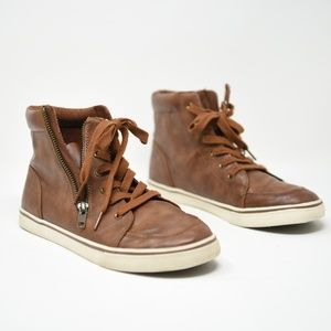 Cat & Jack size 6 Brown leather sneaker